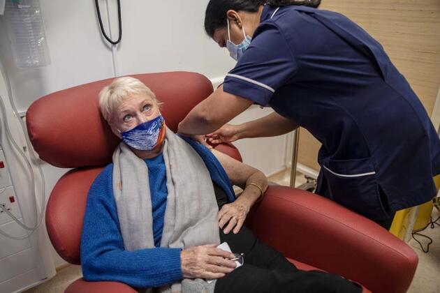 Pfizer'ın Kovid-19 aşısıyla ilgili alerji uyarısı yapıldı