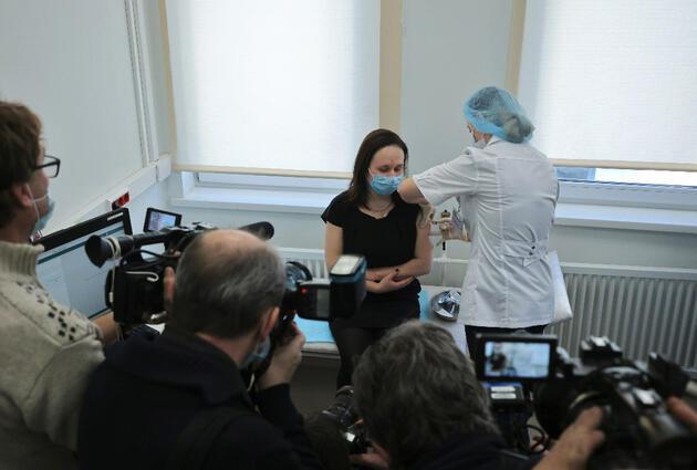 Rusların 'Sputnik V' endişesi! Yüzde 70'i aşılanmak istemiyor