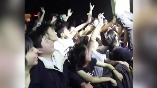 Wuhan'da düzenlenen partilere tepkiler çığ gibi