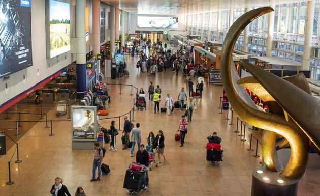 Yeni mutasyon bir ülkede daha görüldü: Hollanda İngiltere'ye uçuş yasağı getirdi
