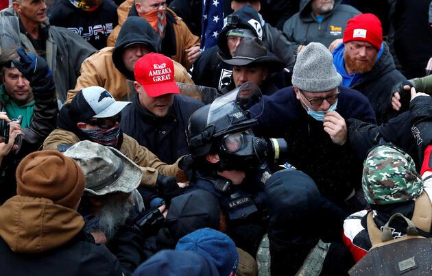 ABD'de Kongre binasına zorla girenlerden 68 kişi gözaltına alındı