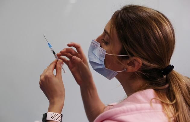 İsrail: Pfizer/BioNTech aşısının ilk dozu, açıklandığından daha az koruma sağlıyor