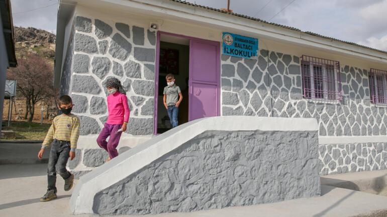 Diyarbakırlı çocuklar, Fenerbahçeli Mame Thiamı köylerine bekliyor