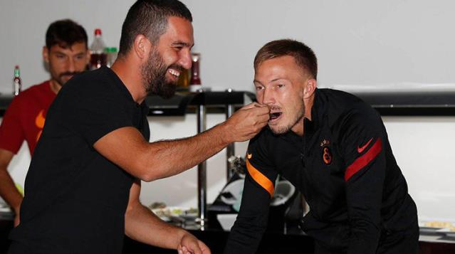 Martin Linnes'in sezon sonunda Galatasaray'dan ayrılıp Başakşehir'e transfer olacağı iddia edildi