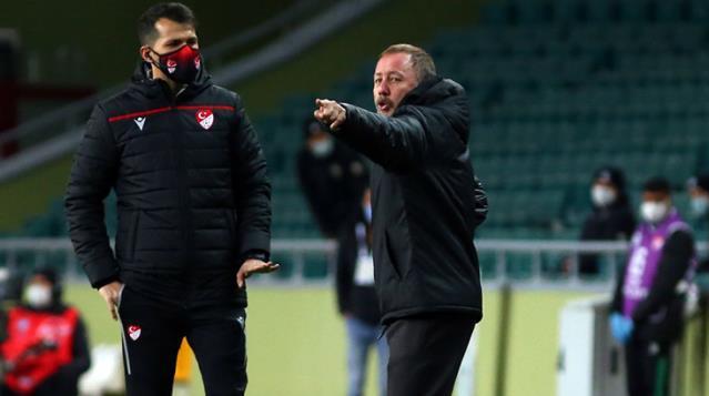 Sergen Yalçın'dan Ahmet Nur Çebi'nin sözleşme sözlerine tepki: Beni rahatsız ediyor
