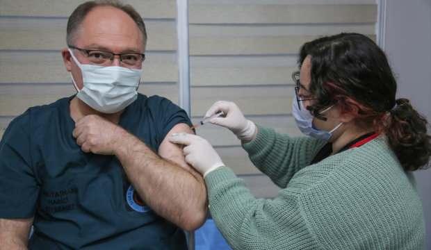 Sivas Belediye Başkanı Bilgin Kovid-19 aşısı oldu