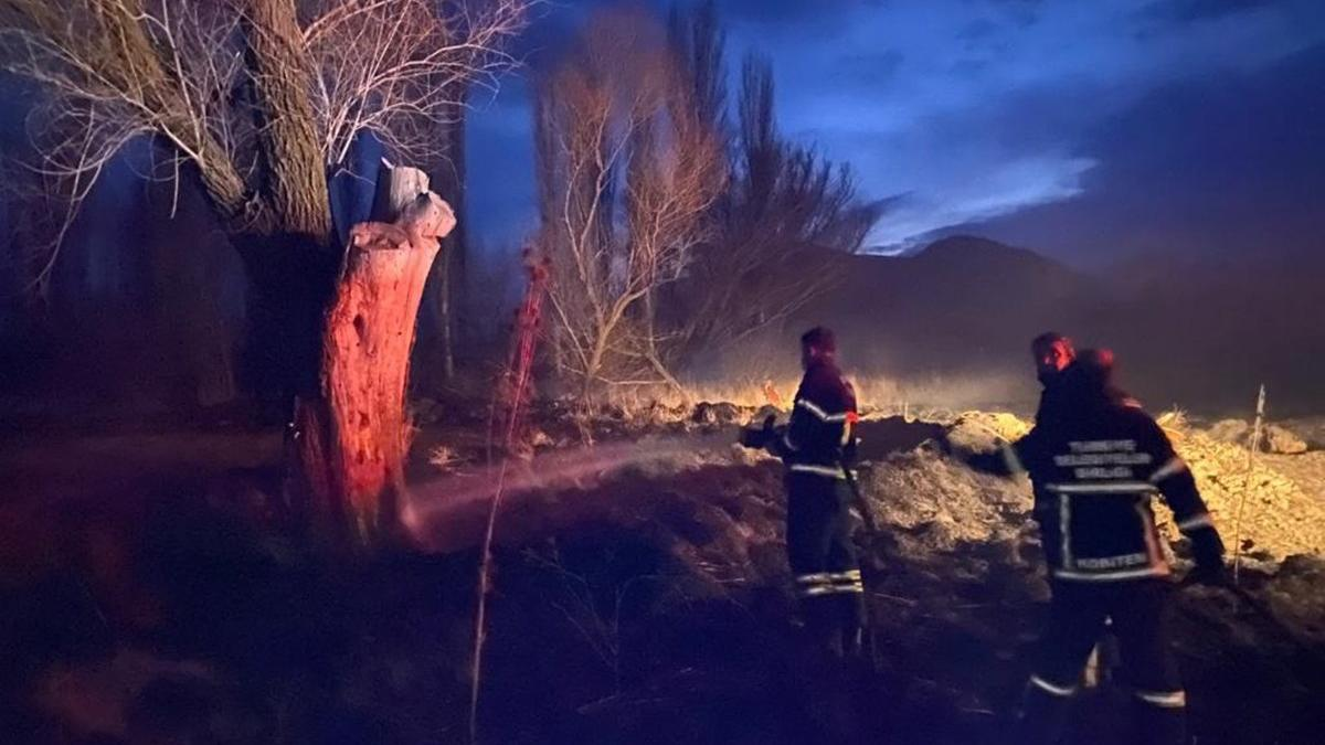 Yangın korku dolu anlar yaşattı, köylüler seferber oldu