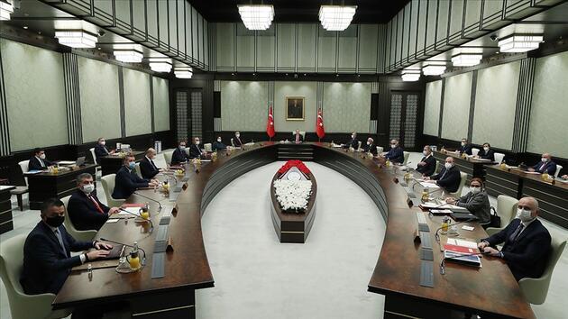 Türkiye yeni bakan atamalarına kilitlendi ama... Vaka sayıları arttı gündem yeni tedbirler