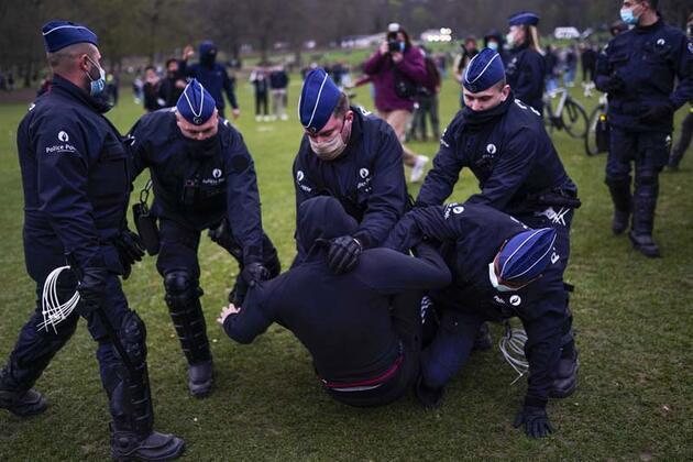 1 Nisan şakası kötü bitti: 7'si polis 45 kişi yaralandı