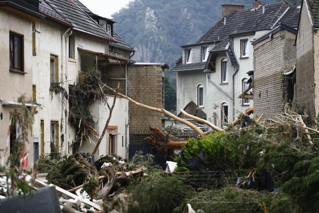 Almanya'da sellerde ölenlerin sayısı 164'e yükseldi