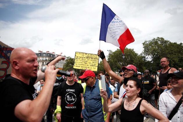 Fransa'nın dört bir yanında aynı manzara! Hedeflerinde Macron var
