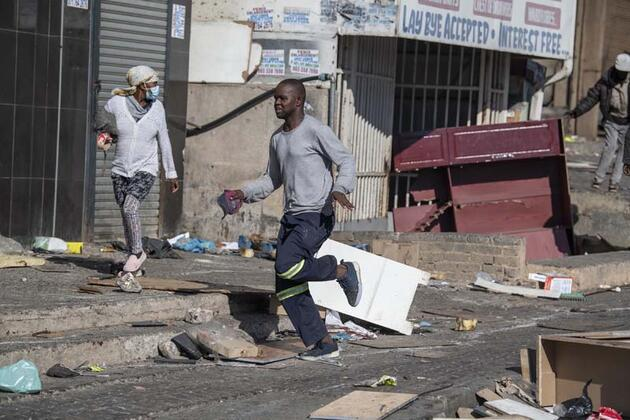 Son dakika... Güney Afrika'da bilanço ağırlaşıyor